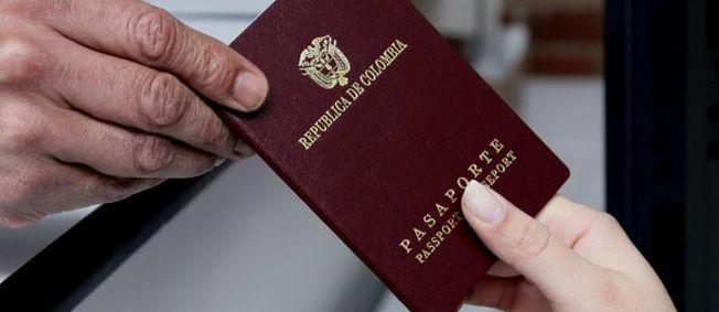 Connacionales que vivan en el exterior y viajen a Colombia deben tener pasaporte colombiano