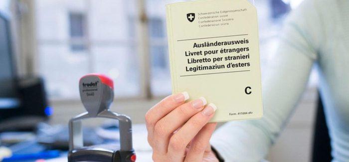 Extranjeros mal integrados perderían residencia suiza